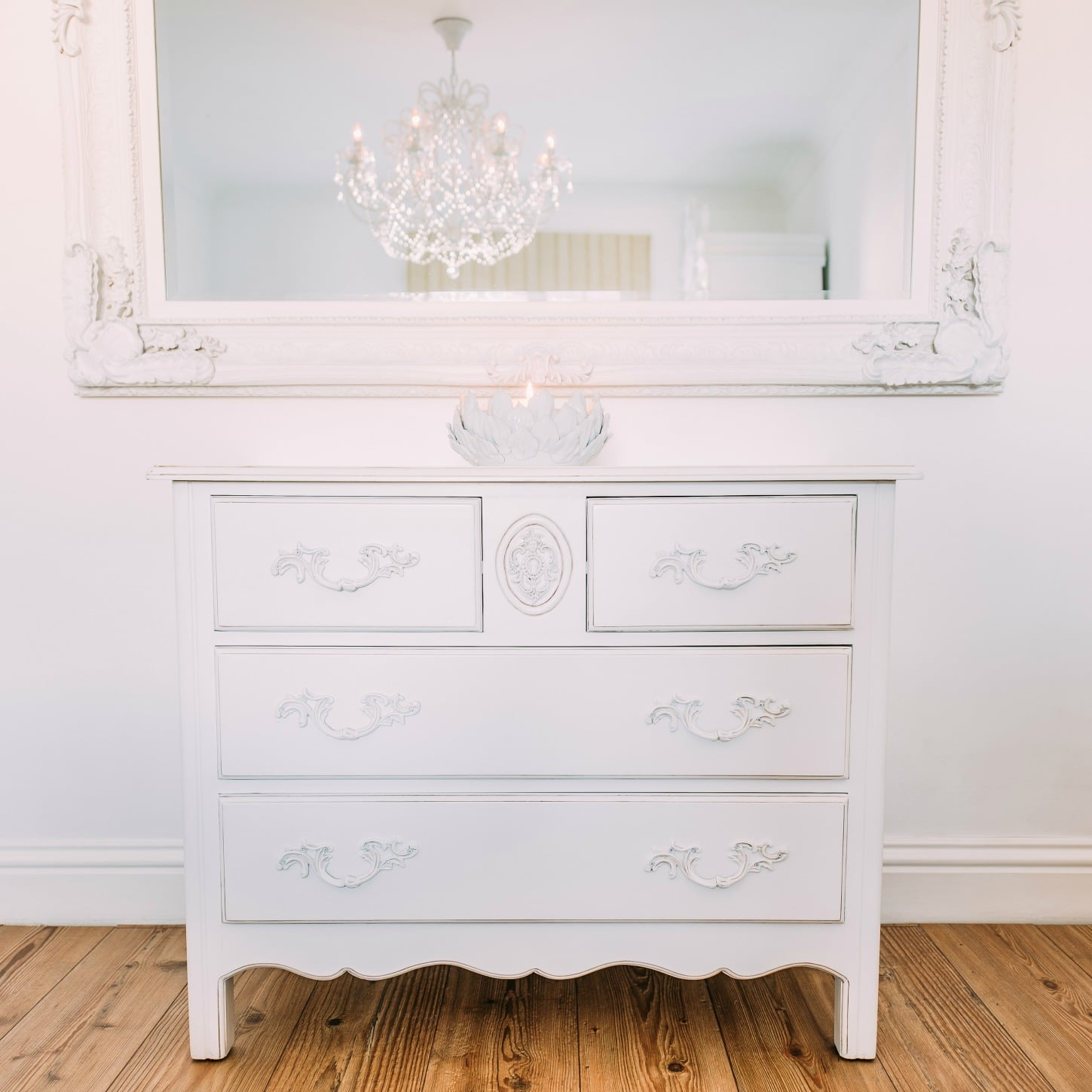 French White 2 Over 2 Carved Wooden 4 Drawer Chest Furniture - La ...
